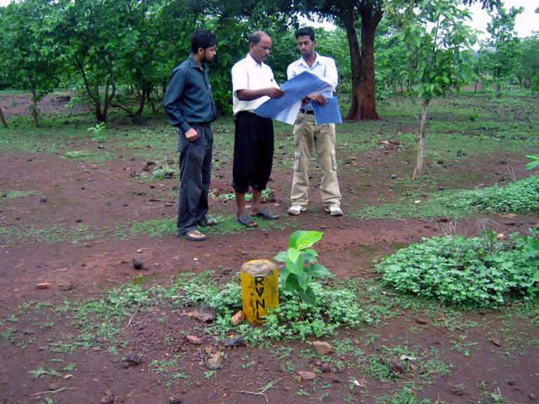 ASRL Inspection Team Visit Dubri RI Field for Government Land